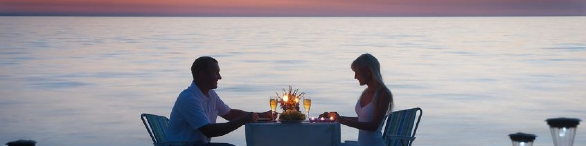 Enjoy dining by the sea