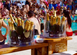 Ibiza-Party-Nikki-Beach-10