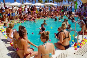 Ibiza-Party-Nikki-Beach-13