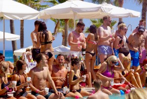 Ibiza-Party-Nikki-Beach-14