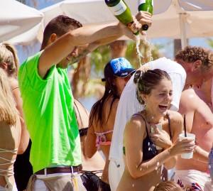 Ibiza-Party-Nikki-Beach-21